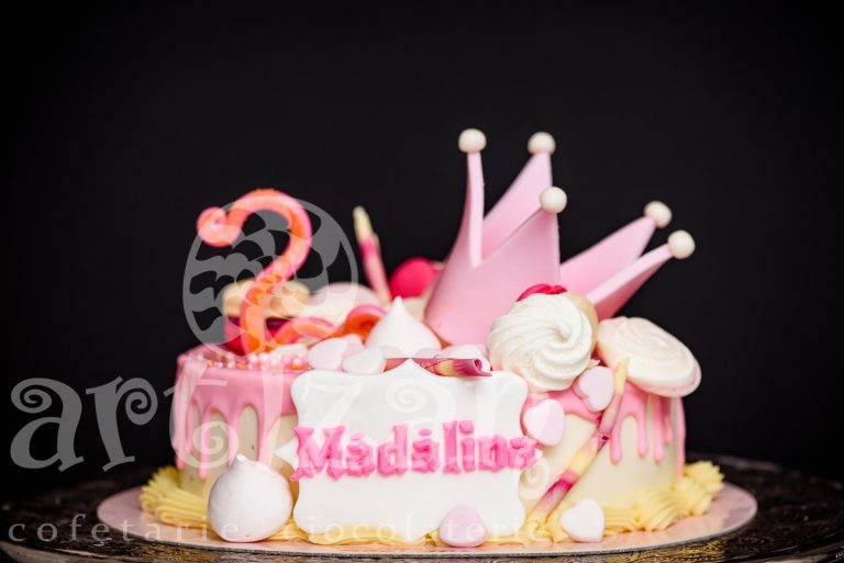 """Tort Aniversar """"Madalina"""""""