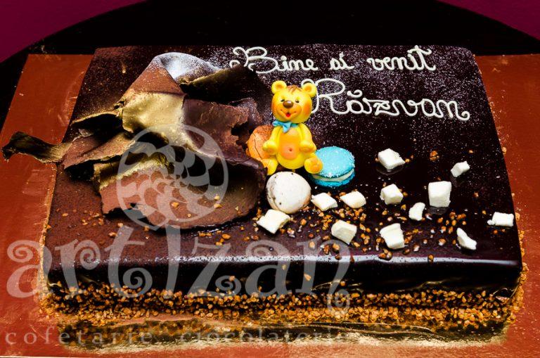 Tort de ciocolata pentru botez
