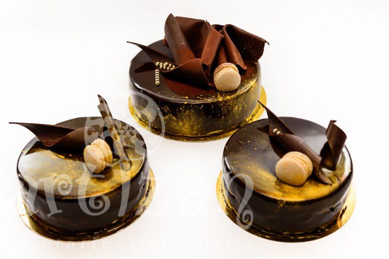 Tort aniversar CHOCOLATE