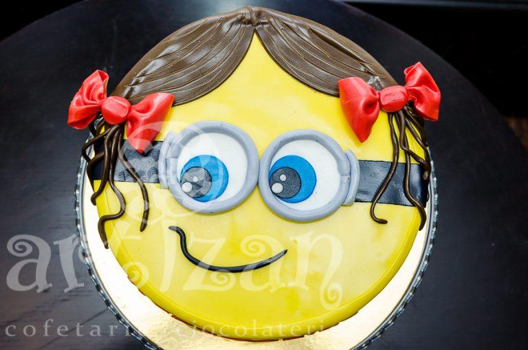 Tort Minnion Girl pentru Mara Carina