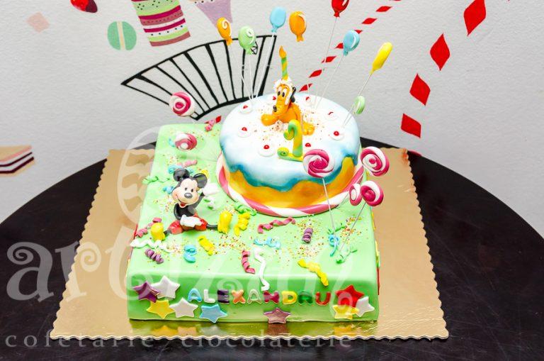 Petrecere cu Mickey si Pluto 1
