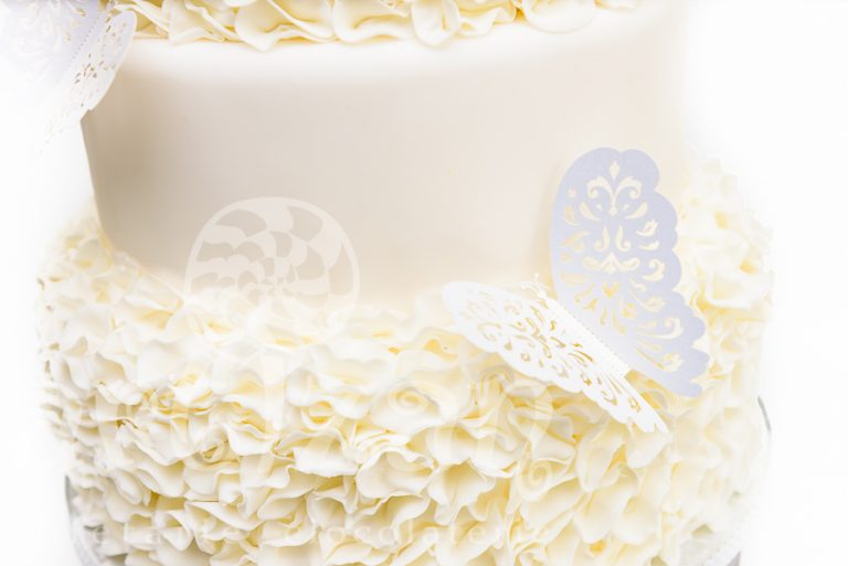 "Tort de nunta ""White Ruffle"" 1"