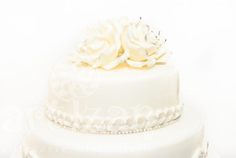 "Tort de nunta ""Ruffle"" 1"