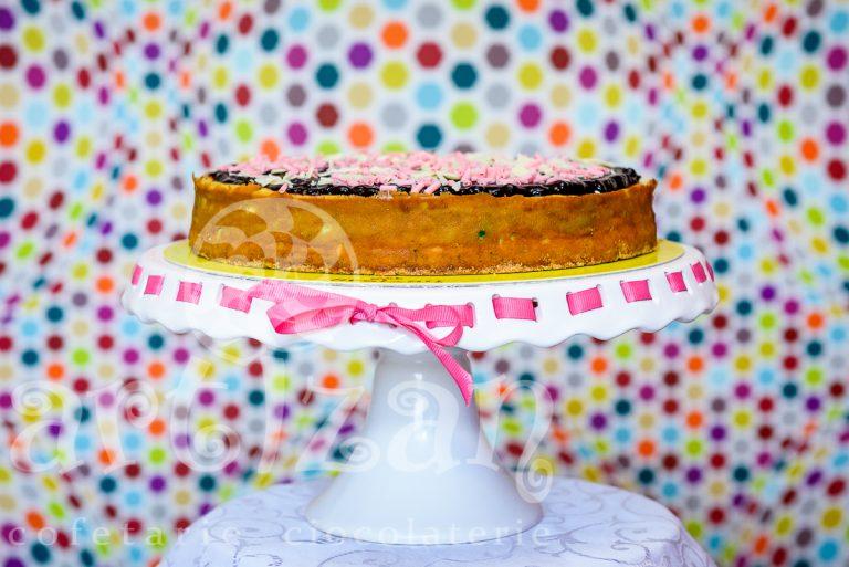 cheesecake cu fistic si coacaze 1