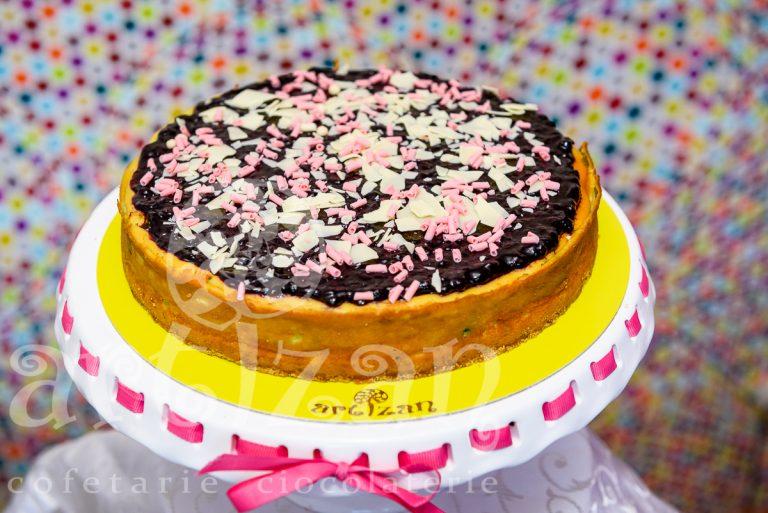 cheesecake cu fistic si coacaze