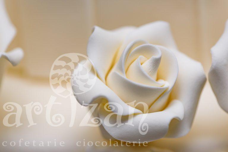 "Tort de Nunta ""All White"" 1"