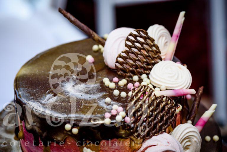 Tort Aniversar de Ciocolata 1