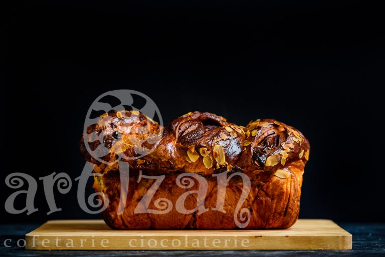 Cozonac cu ciocolata si caramel 1