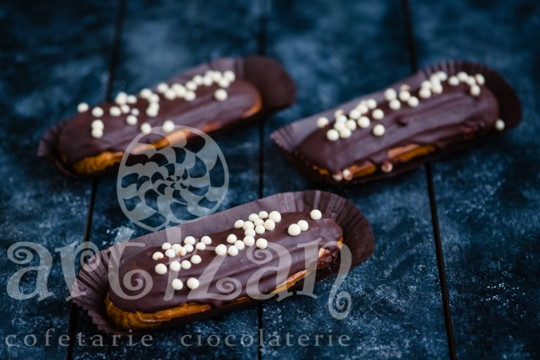 Ecler cu vanilie si ciocolata