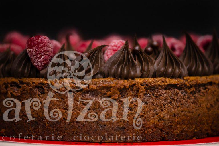 Cheesecake de ciocolata cu zmeură 1