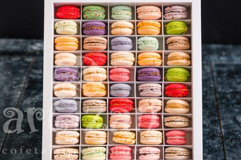 Mega-Box cu Macarons 1